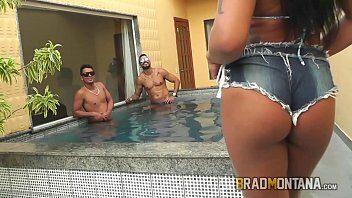 Bundas de brasileira dando o cu