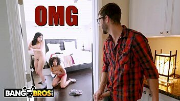 Xvideos hentai irmão flagra sexo incesto das irmãs