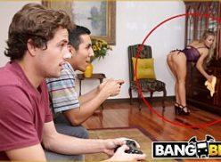Sexo brasileiratrepando com amigo do irmão