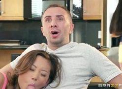Familia incestuosa cunhadinha pagando boquete