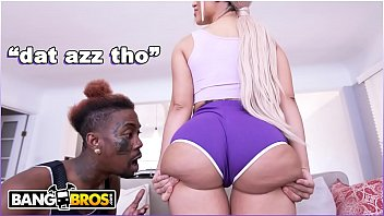 As brasileirinha fazendo sexo anal HD