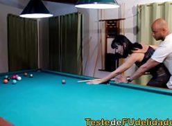 Mulher no filme pornô brasileiro dando sua xota