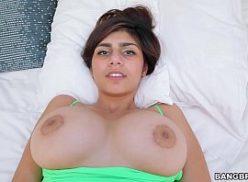 Mia khalifa atriz porno dando a xoxota gozada
