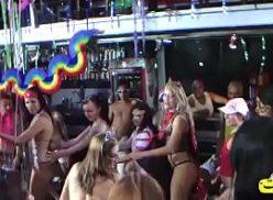 Mulheres fazendo sexo no carnaval 2019